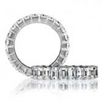 18 KARAT WHITE GOLD DIAMOND WEDDING BAND with 19 Diamond(s) 7.60ctw