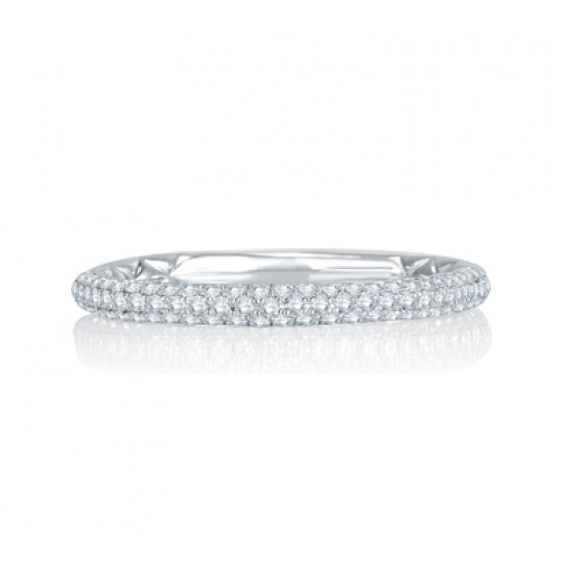 Delicate Quilted Anniversary Band