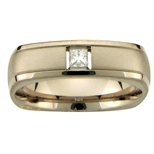 18 KARAT WHITE GOLD GENTS RING with 1 Diamond(s) 0.12ctw