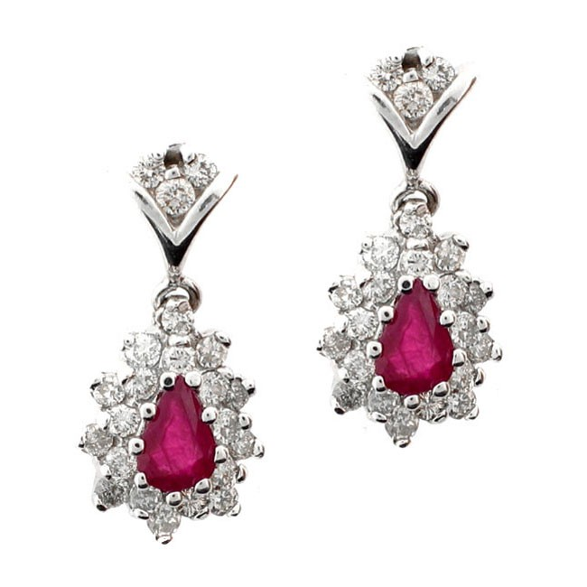 18 KARAT WHITE GOLD EARRINGS with 44 Diamond(s) 0.95ctw