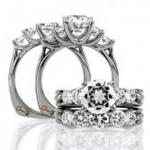 18 KARAT WHITE GOLD DIAMOND WEDDING BAND with 5 Diamond(s) 1.01ctw