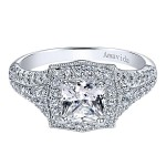 18k White Gold Cushion Cut Halo Diamond Engagement Ring