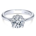Vintage 18k White Gold Round Halo Diamond Engagement Ring