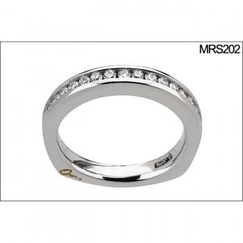 18 KARAT WHITE GOLD DIAMOND WEDDING BAND with 19 Diamond(s) 0.38ctw