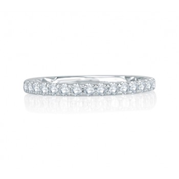 Intricate Delicate Quilted Anniversary Band